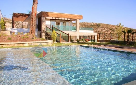 Bodrum Merkezde Satılık Özel Yüzme Havuzlu Lüks Villa