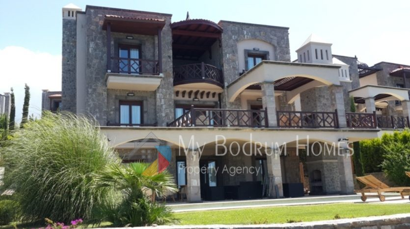 Villa daily or weekly rental in Bodrum Golturkbuku with 5 rooms