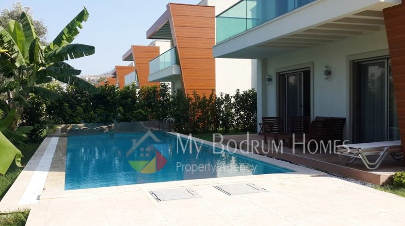 Luxury Detached villa seasonal rental with private swimming pool in golturkbuku