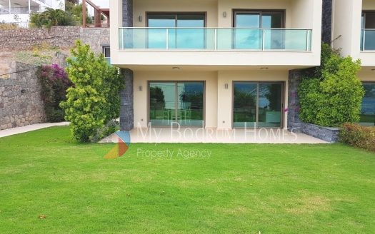 For Sale Seaside Ultra-luxury duplex Villa