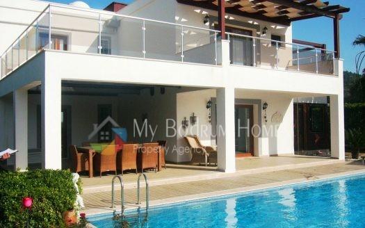 Bodrum Merkezde Satılık Tripleks villa