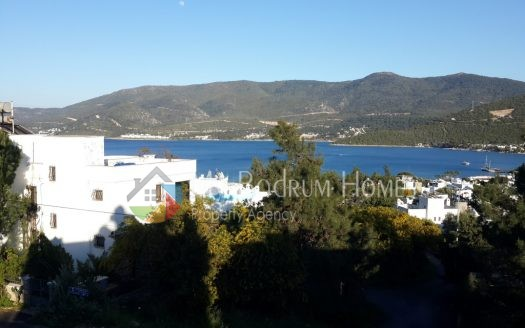 Detached Sea view triplex villa