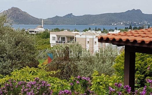 For Sale detached duplex villa