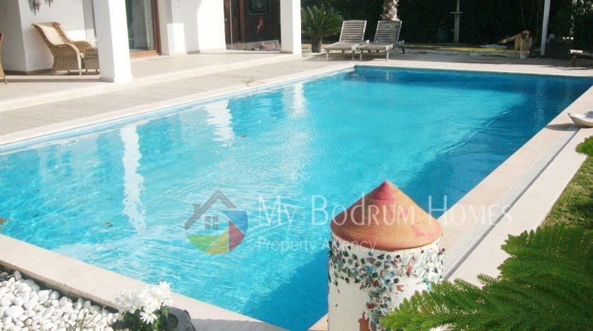 bodrumda satılık havuzlu villa