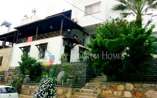 For Sale Villa in Bodrum Torba 6rooms, with fire place, sea view