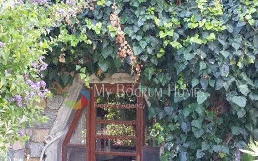 Bodrum Merkez Yeniköy'de Satılık Bahçeli Dubleks
