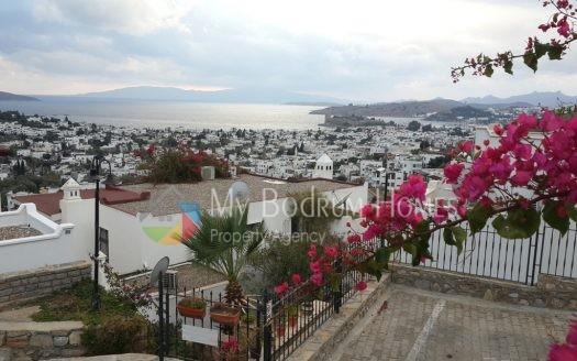 Bodrum Umurça 'da Satılık Deniz Manzaralı Villa