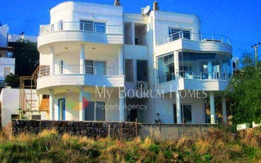 Bodrum Akyarlar 'da Satılık Dubleks Villa Deniz Manzaralı