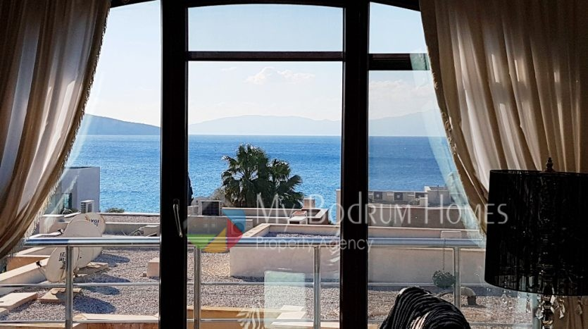 Duplex Villa and Apartment House For Sale in Bodrum Center