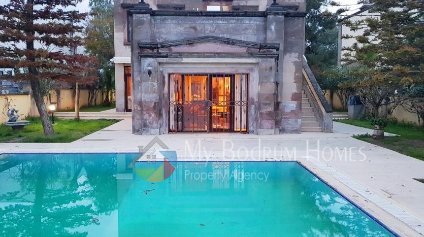 Stone Villa with swimming pool For Sale in Bodrum Konacik