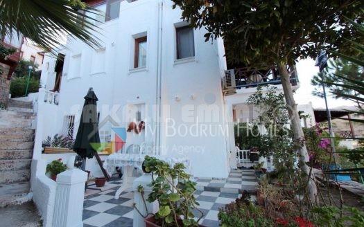 Akyarlar Karaincir 'de Satılık Manzaralı Site içi Dubleks Villa
