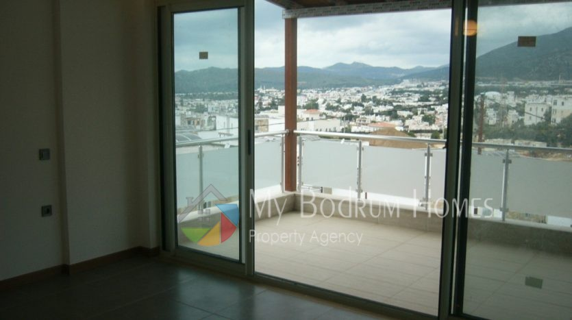 Apartment House with balcony For Sale in Bodrum Konacik