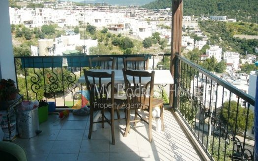 Apartment House with balcony For sale in Bodrum Center
